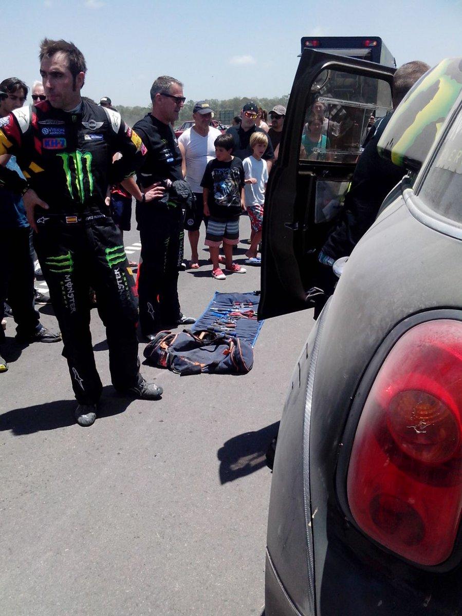 2015 Rallye Raid Dakar Argentina - Bolivia - Chile [4-17 Enero] - Página 6 B6hNUnTIIAA10xs