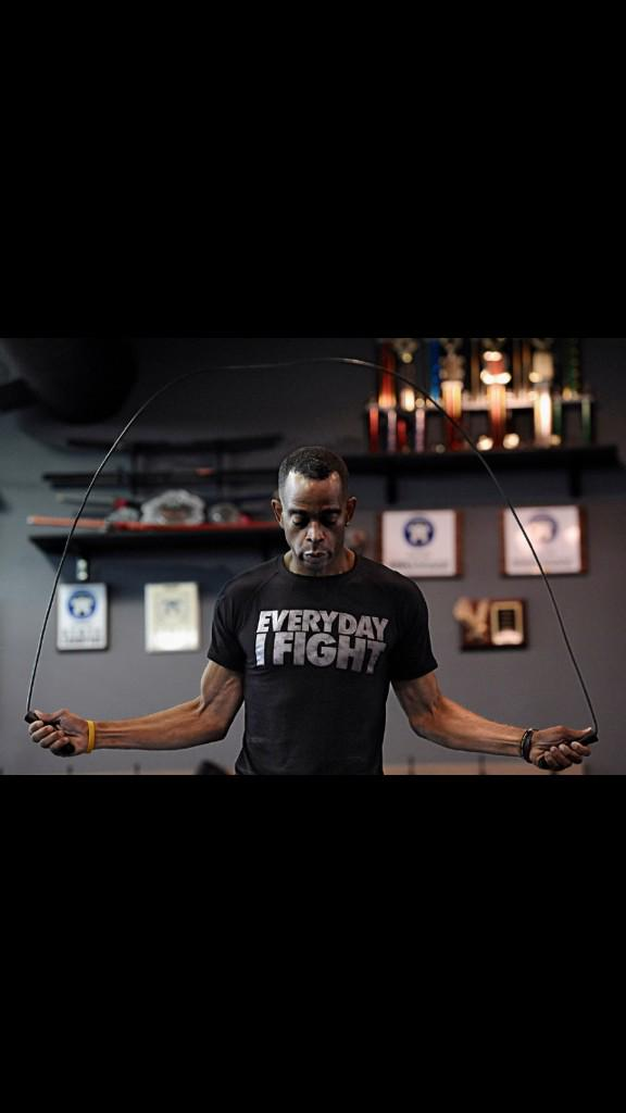 Sad news to hear of Stuart scott passing after a long battle with cancer.! Keep fighting my friend! #everydayifight http://t.co/mGJoUSFW3l