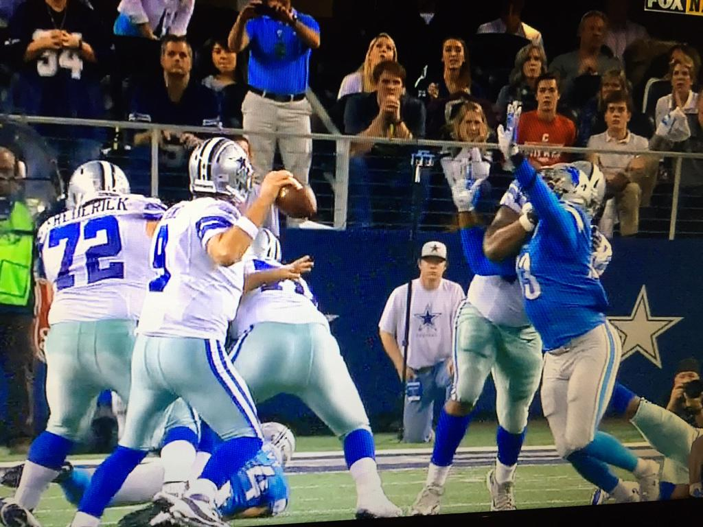 Speaking of holding how about that vaunted Dallas O line? http://t.co/xfdcnkeftq