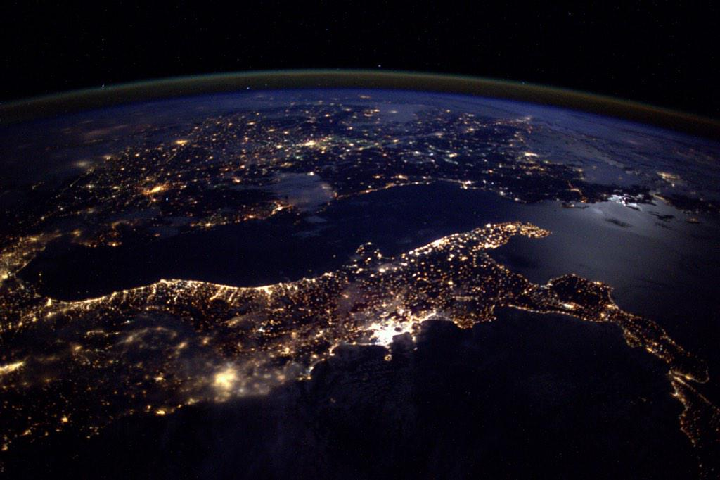"""#Italy and Aegean Sea in the distance … a night to remember!"" #AstroButch http://t.co/cDdO7rUYRO"