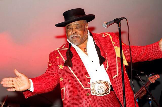 Buffalo legend Lance Diamond has passed away. His showmanship and memorable performances will be greatly missed. http://t.co/Qr6SjO6G6E