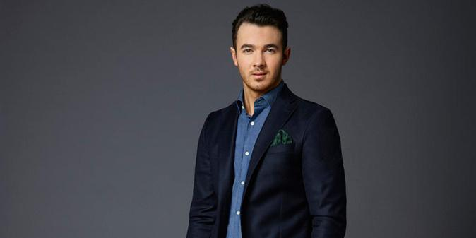 We're so excited to bring you @kevinjonas' recap blog of the premiere of #CelebApprentice! http://t.co/ZcMud01LfB http://t.co/Bxhmg7V8C9