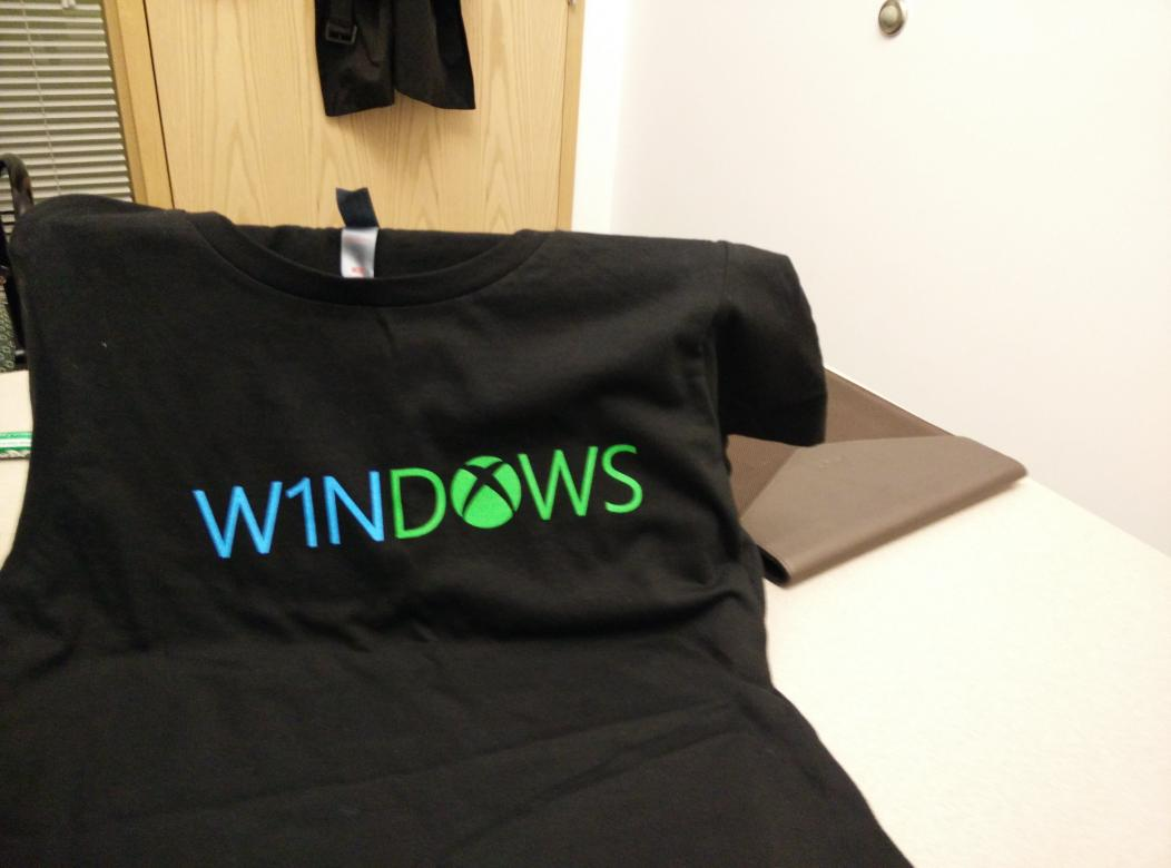 New shirt!  #Win1Dows http://t.co/cVKgylzMXF