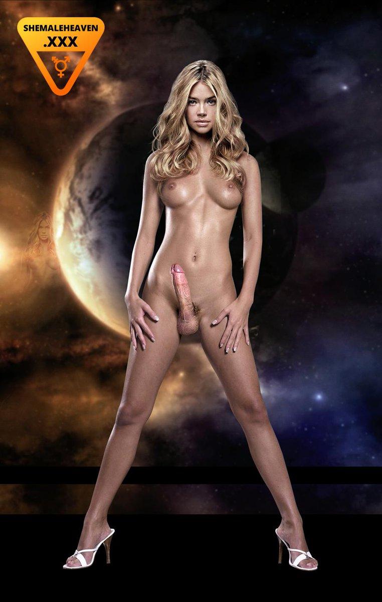 Naked celebrities showering onscreen
