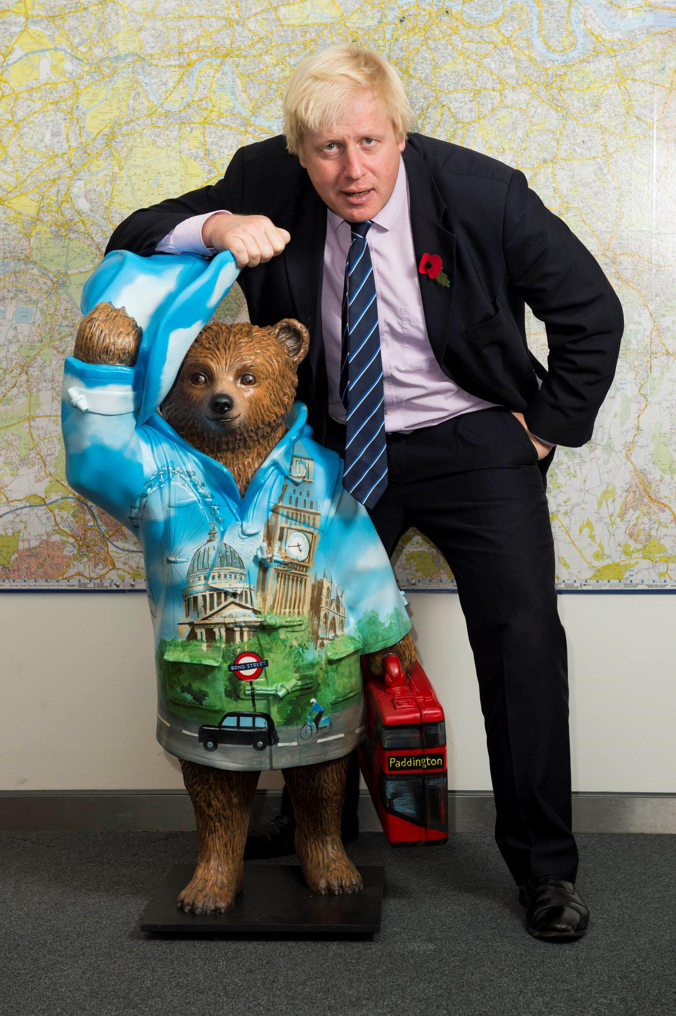 My #PaddingtonTrail bear is now up for auction for @NSPCC – bid now & he could be yours! http://t.co/6nikUpZKL3 http://t.co/9t0u4rym5U