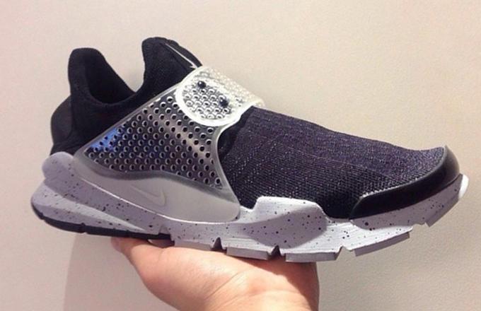 7452b46b65 These  Black Oreo  fragment design x Nike Sock Darts need to release ASAP.