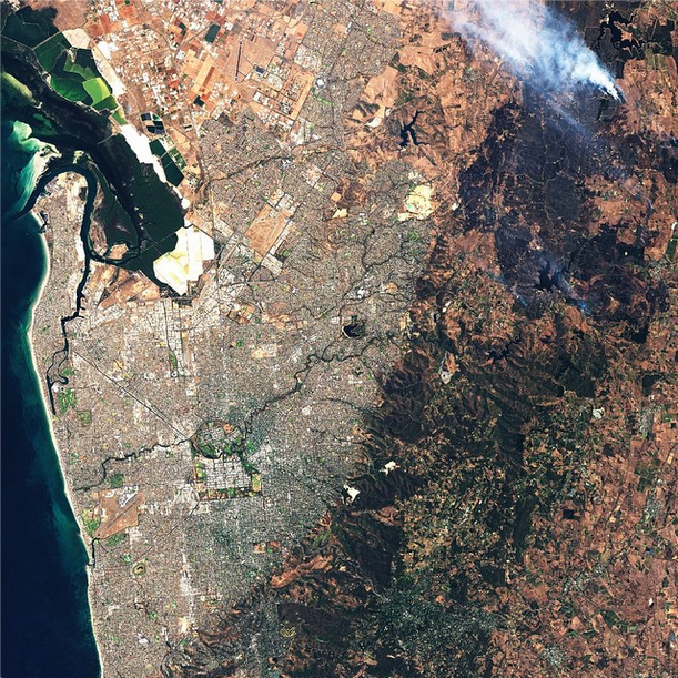 We're thinking of you, Adelaide. @NASA captured some of the scale of the #AdelaideFires. Stay safe! http://t.co/ITvfVTJRVP