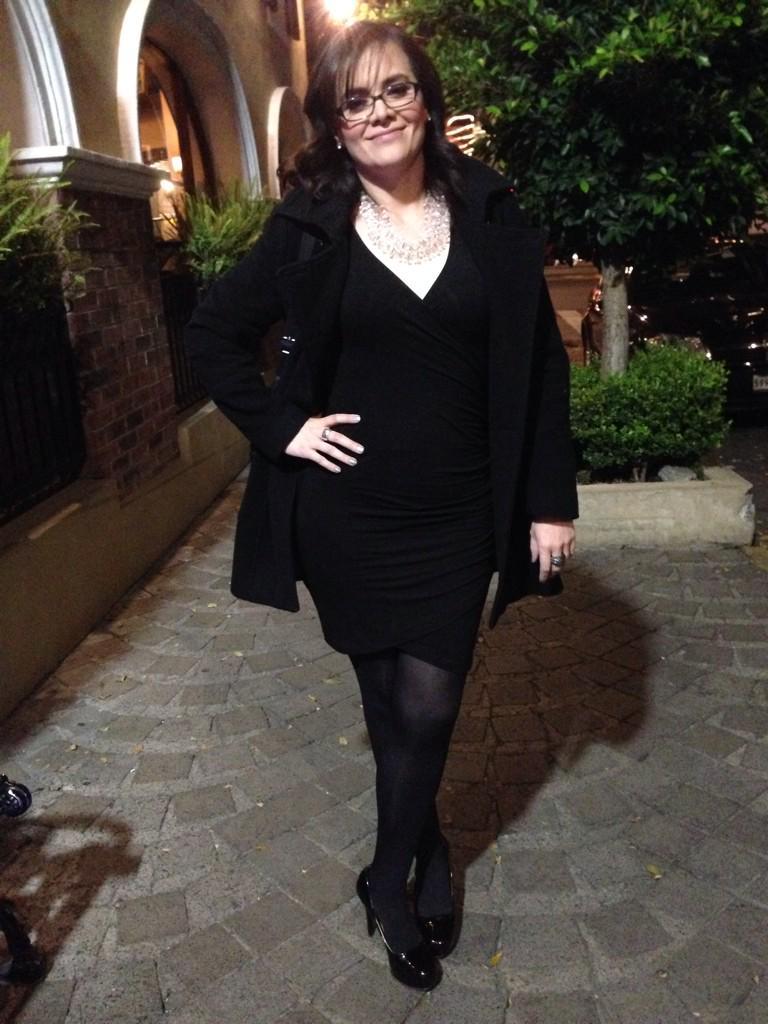 Buenísimas las ofertas en @Forever21_Mx $49.90 este vestido negro.Un clásico y básico de todo closet! #moda