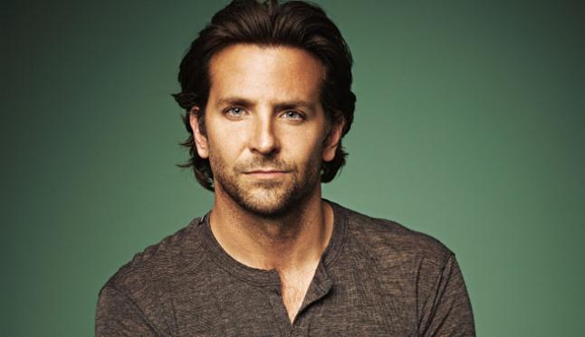 Bradley Cooper pelado.