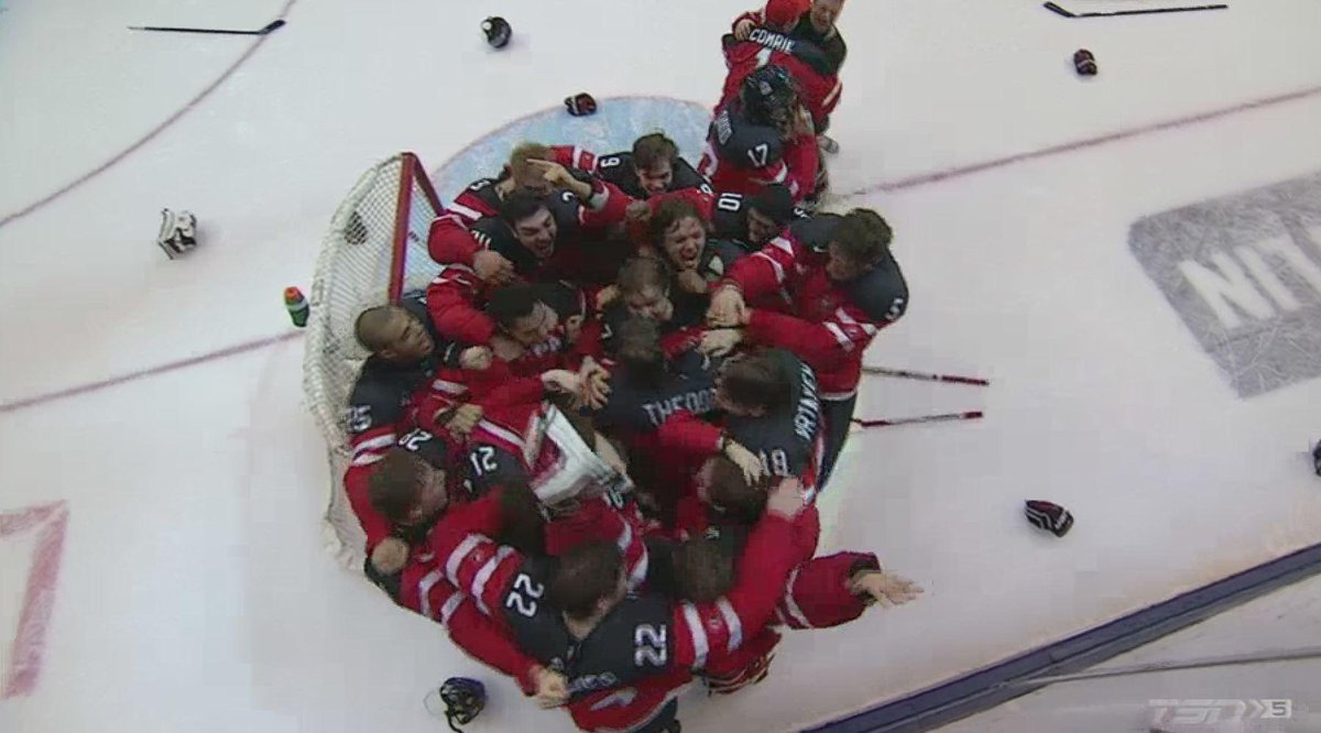 The drought is over…Canada defeats Russia to win the 2015 World Junior Championship #HereWeGold http://t.co/TPSHPAFb53