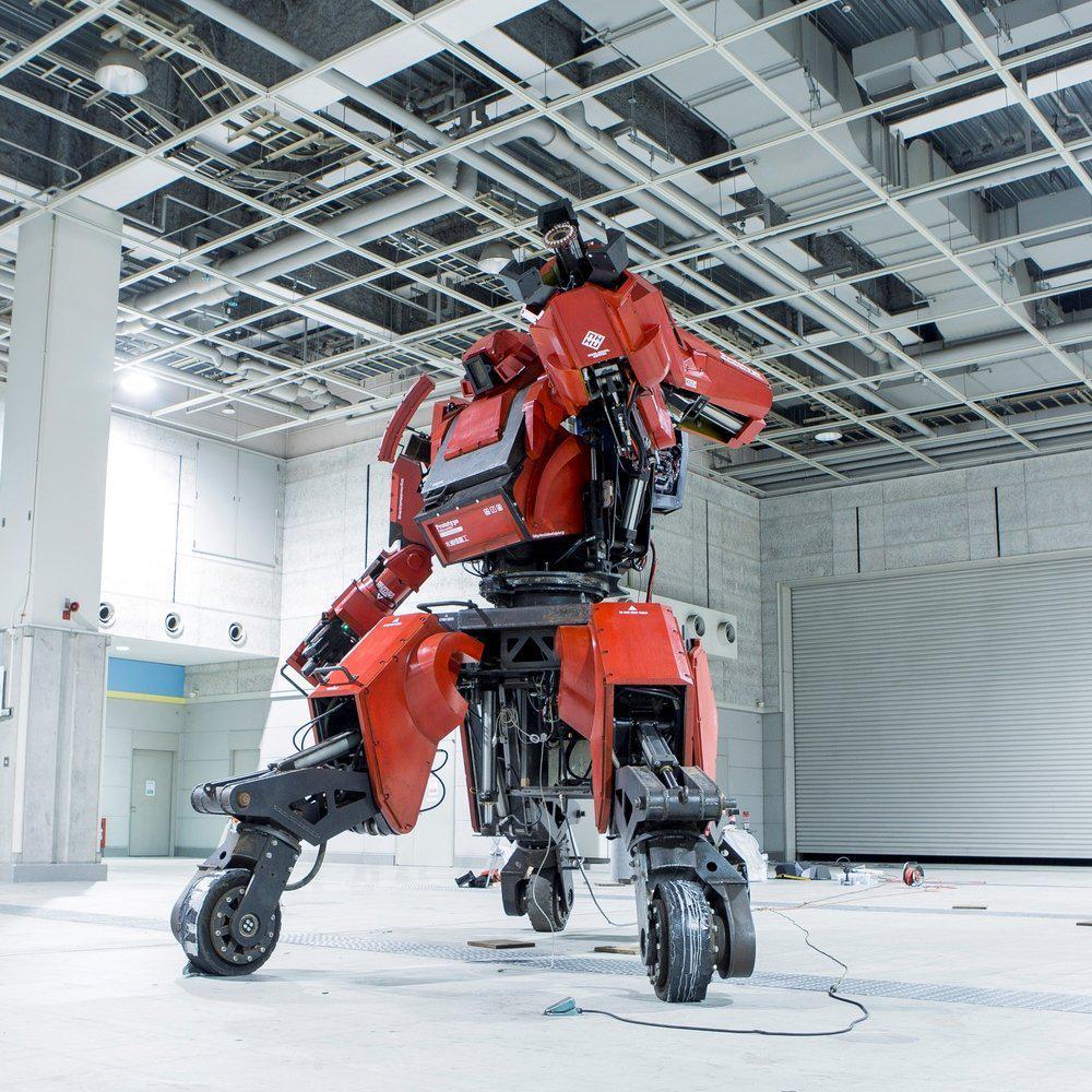 1億2000万円の巨大ロボット「クラタス」、Amazonに入荷するも…数時間で「在庫切れ」に bit.ly/1BDg37Y pic.twitter.com/yN785nBqyL