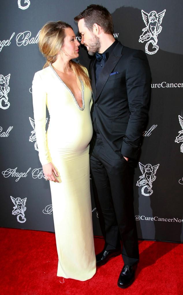 Blake Lively e Ryan Reynolds grávidos.
