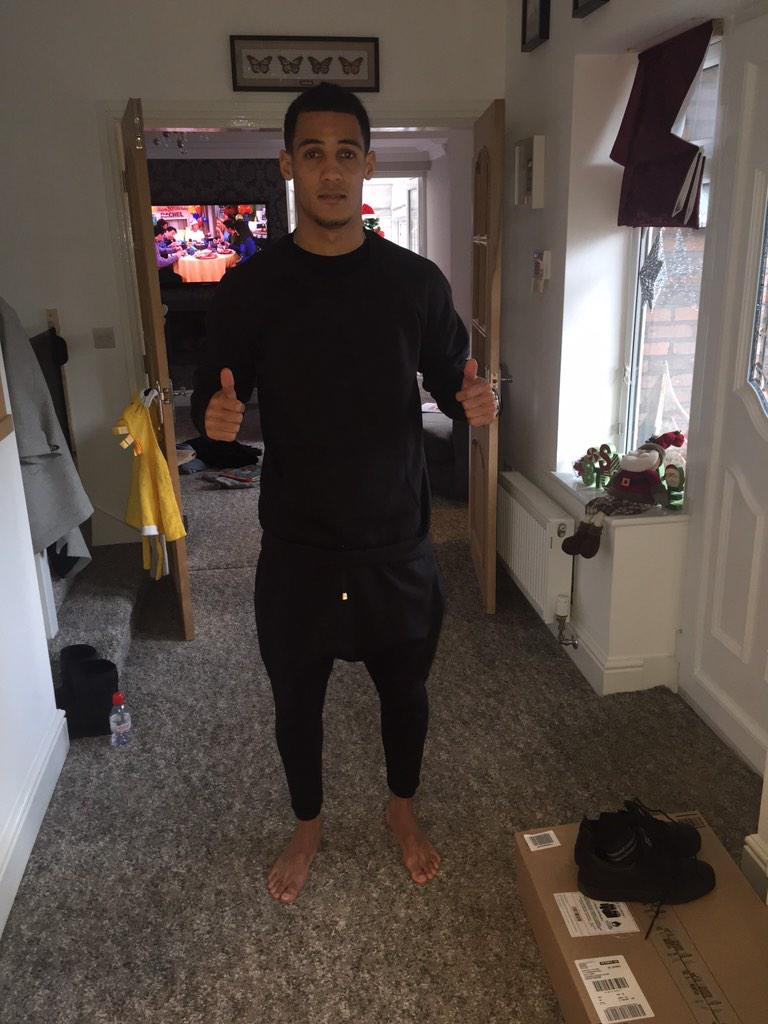 @AmourLDN @RealThomasInce loving the track suits!!! Thank you
