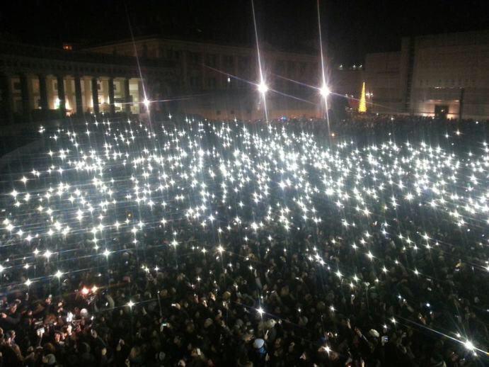 Pino Daniele: 50 mila persone a Napoli