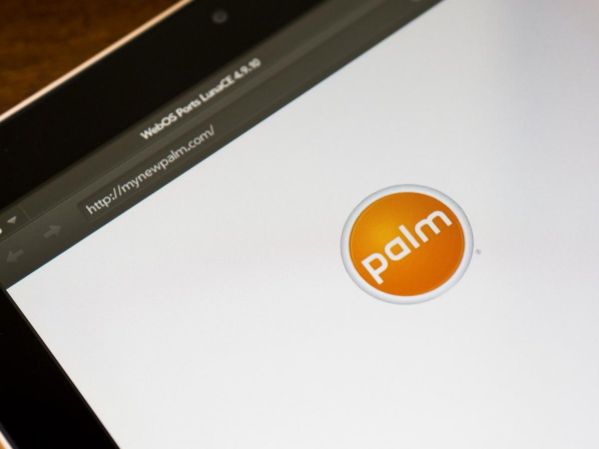 What a twist! RT @webOSnation: It's confirmed! TCL is bringing back Palm! #toldyouso  http://t.co/hpRnDaxRVa http://t.co/NED4MfDahl
