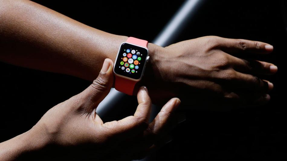 #iWatch from #Apple is coming in March! http://t.co/ADm7SVaWhv http://t.co/C7125PDyrl