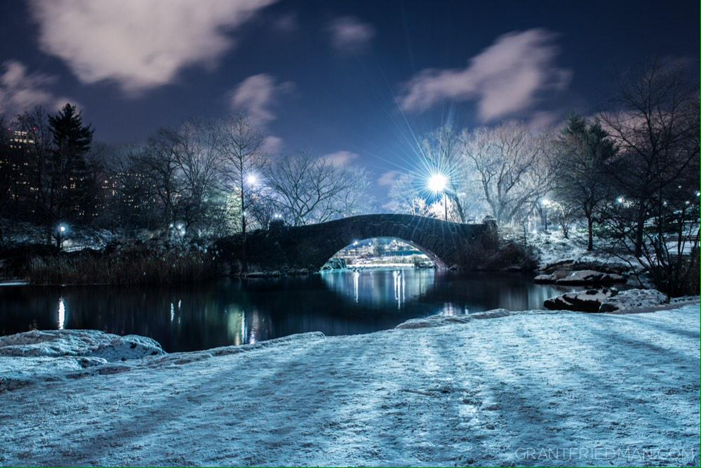 A nice little dusting of snow today in New York City at @CentralParkNYC's Gapstow Bridge. http://t.co/ZG5EhdDWxf
