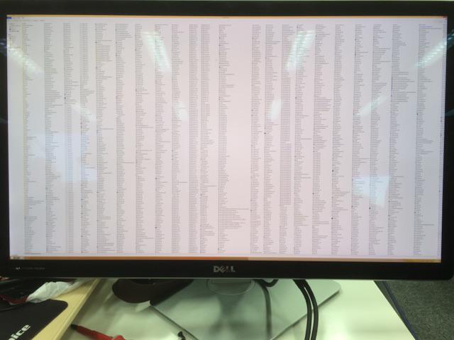 これが。。。。5K解像度で見たSystem32フォルダ。。。。! http://t.co/1Q10VQsBKl