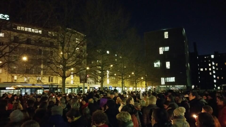 In support of #CharlieHebdo #Geneva #freedomofexpression (@ Uni Mail - @unigenews in Genève) https://t.co/lFtrr1iuhw http://t.co/Holq9j9ZMj