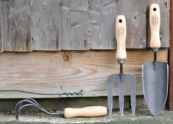 #WIN 1 of 3 @dewitgardentool essential tools sets. Simply follow + RT this post to enter! Ends 5pm Fri 9/1/15 http://t.co/nK4u2HhpD5
