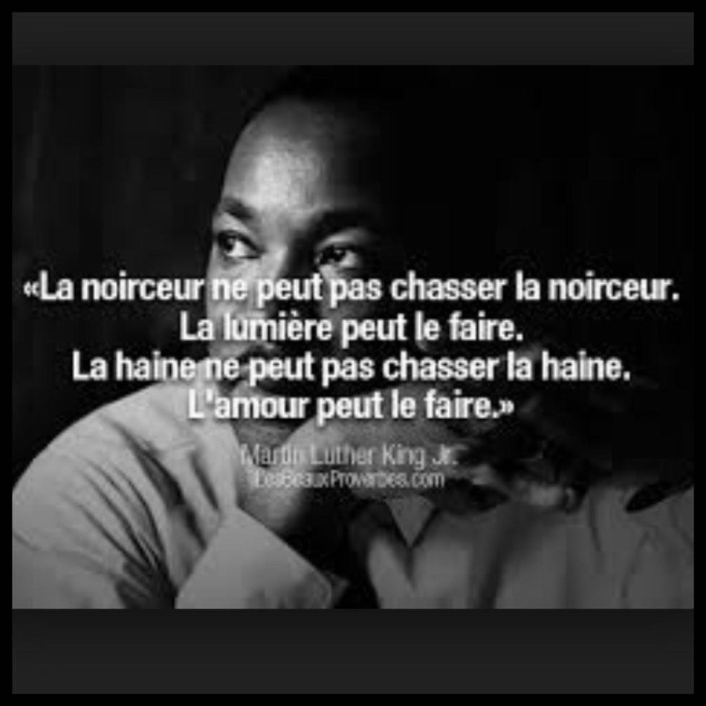 """""""@OmarSy: Mes pensées vont aux victimes et à leurs proches ... #CharlieHebdo http://t.co/v1NckZswdD"""""""