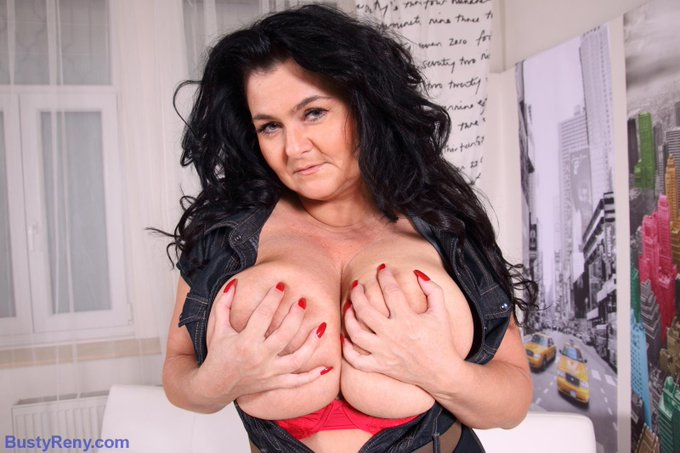 Do you like my red bra? http://t.co/5wna98HoNR http://t.co/qDhVGvAk3G