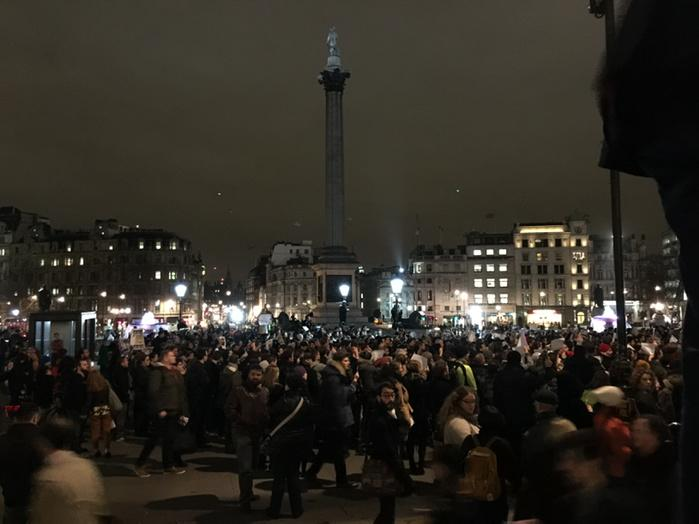 Many gathering in trafalgar square for Charlie Hebdo vigil http://t.co/hv34KKP1hr