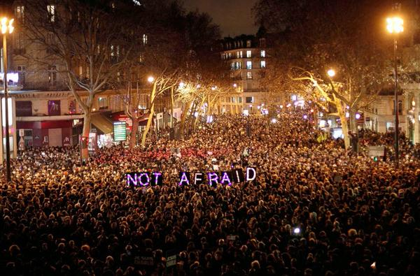 What an image #ParisShooting #NOFEAR http://t.co/z2yVz6z9di