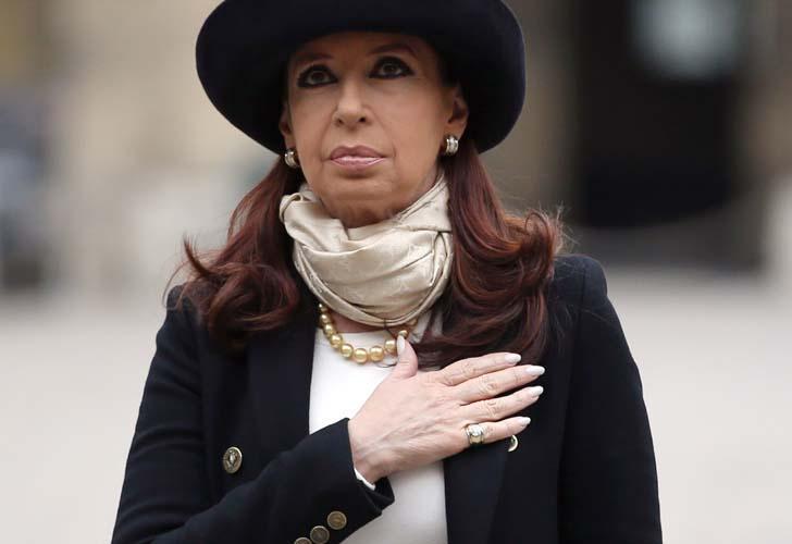 """🇦🇷 on Twitter: """"La Presidenta @CFKArgentina el gobierno y el pueblo argentino condenan enérgicamente el ataque terrorista en Paris https://t.co/RkLQeinVa5"""""""
