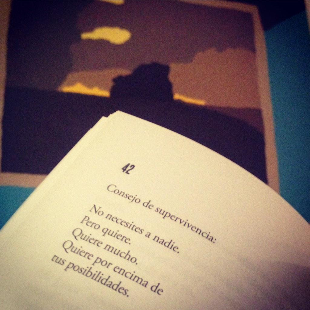 Consejo de supervivencia @TuristaEnTuPelo #Poesía #Intranerso  Buenas noches! : ) http://t.co/Tdv0lI0loO
