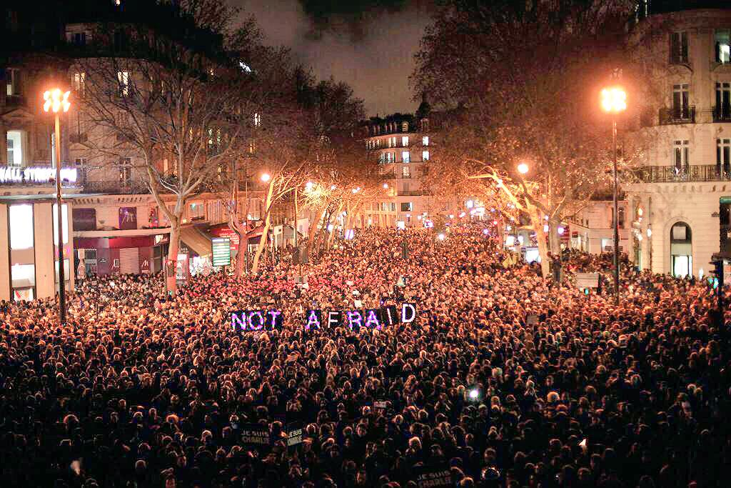 Paris, tonight. We stand with you, from all over the world. Not afraid. #JeSuisCharlie (Photo: Thibault Camus/AP) http://t.co/6P5au3Vp7g