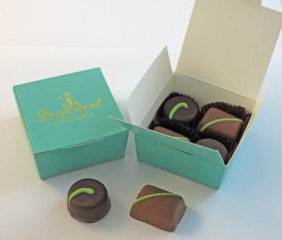 One lucky person http://t.co/6RJ0CfGNFJ will win these @DropDeadChocs luxury chocs #LadiesCoffeeHour #comp http://t.co/htTIh7Rxf6 Prize