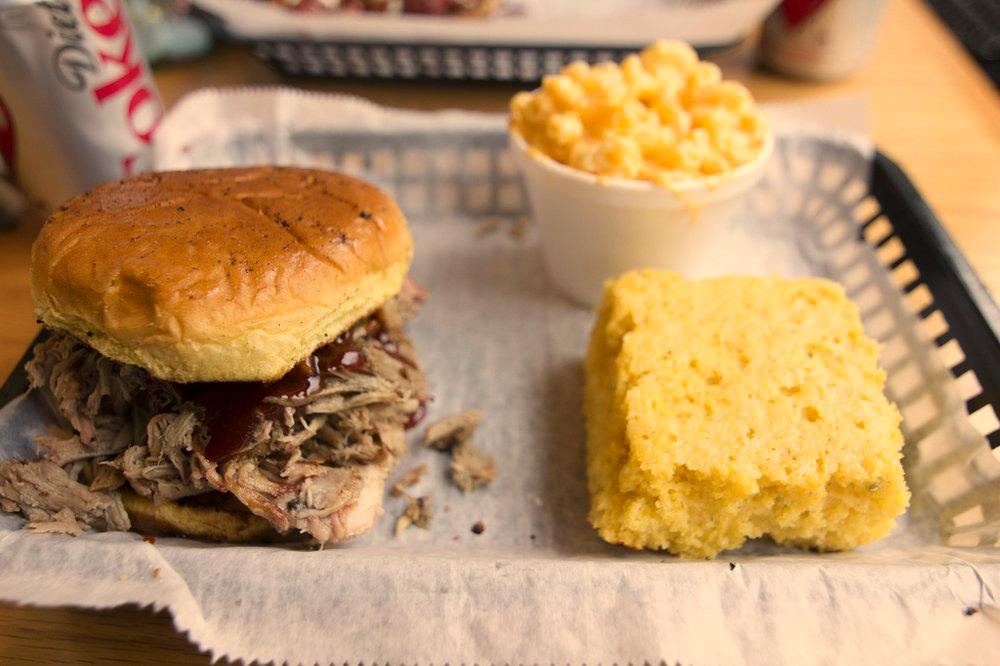 """HUGE NEWS CINCY: @ElisBBQCincy featured on """"#YelpTop100 Best Places To Eat in the US for 2015"""" http://t.co/u2mJavcKZg http://t.co/drVAFX4HgZ"""
