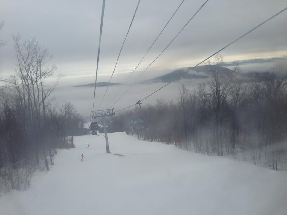 Hey #cf122 ! Have any of you ever gone skiing? Im from the Adirondacks and its a pretty popular thing! #nifkin http://t.co/ZKe06KkikL