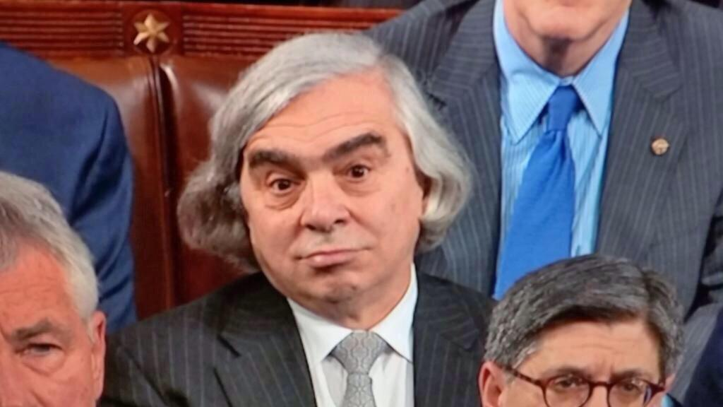 When the Quaker Oats dude sees you grab that Cream of Wheat. #SOTU http://t.co/Pu2gjJzJGL""
