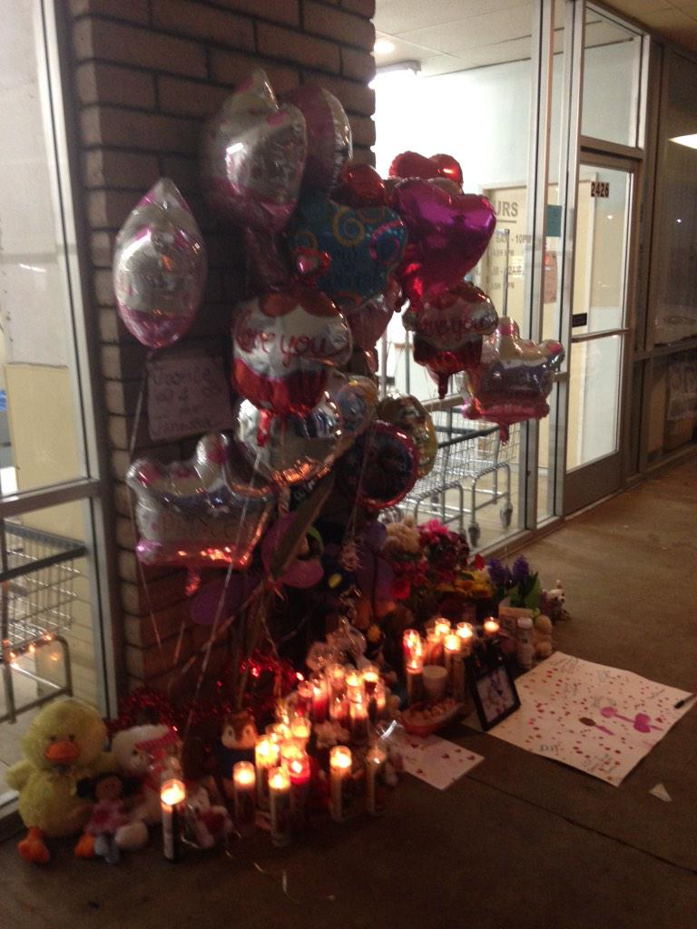 Memorial grows for Janessa Ramirez, along with the reward offered to find her killer. $22,500 now on the table. http://t.co/oawT8AbL64