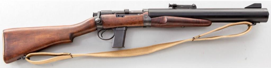 デリーズル・カービン第2次大戦中、イギリスで開発された特殊作戦用ボルトアクション消音銃。M1911系のマガジンをそのまま使用し、銃身をすっぽり覆った一体型のサイレンサーを備える。消音効果は絶大で、戦後も特殊作戦に度々使用された