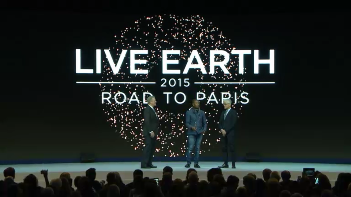 Global #ClimateAction concert announced @Davos #wef15 with @AlGore @Pharrell http://t.co/zklkmlFEL2 http://t.co/MxD56us3QT