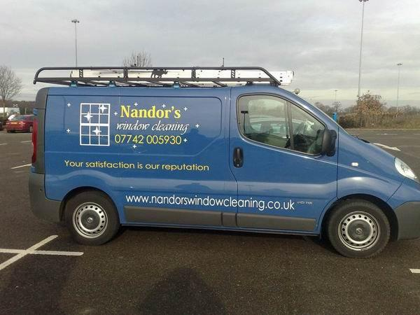 URGENT 11.30am Wed. Nandors Window Cleaning Van stolen in Beckenham, if you see it in the next 24hrs please call 999 http://t.co/Eahj9Two36