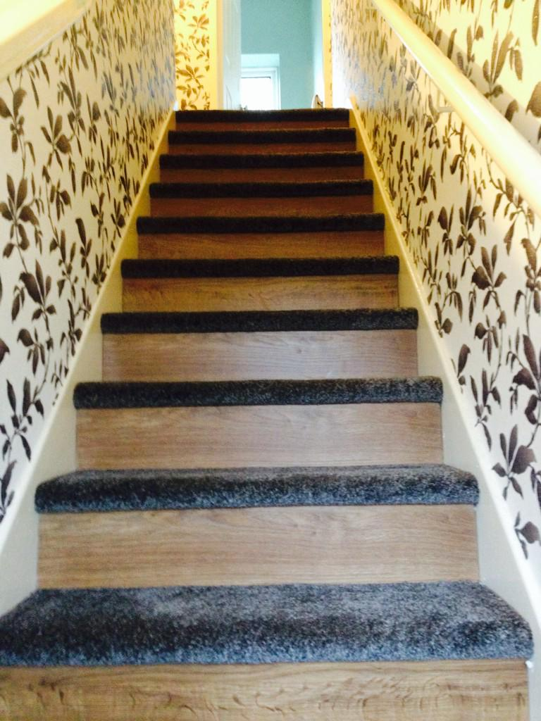Best Striped Stairs Carpet With Laminate Stairways 400 x 300