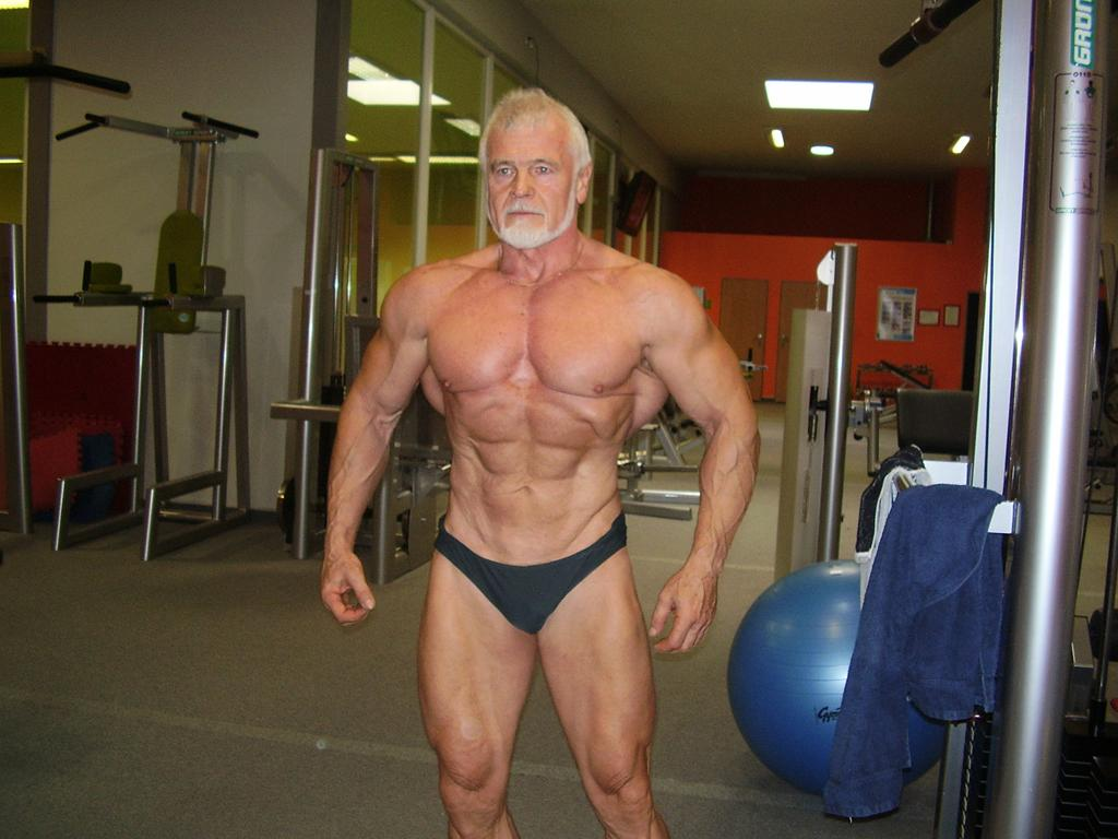 This 60-Year-Old Man Has Terrifyingly Huge Muscles