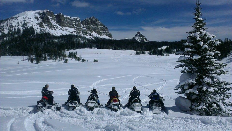Epic snowmobiling is a perk of working at Aramark's Togwotee Mountain Lodge, the World's Premier Snowmobile Resort! http://t.co/GwPQeaIDdk