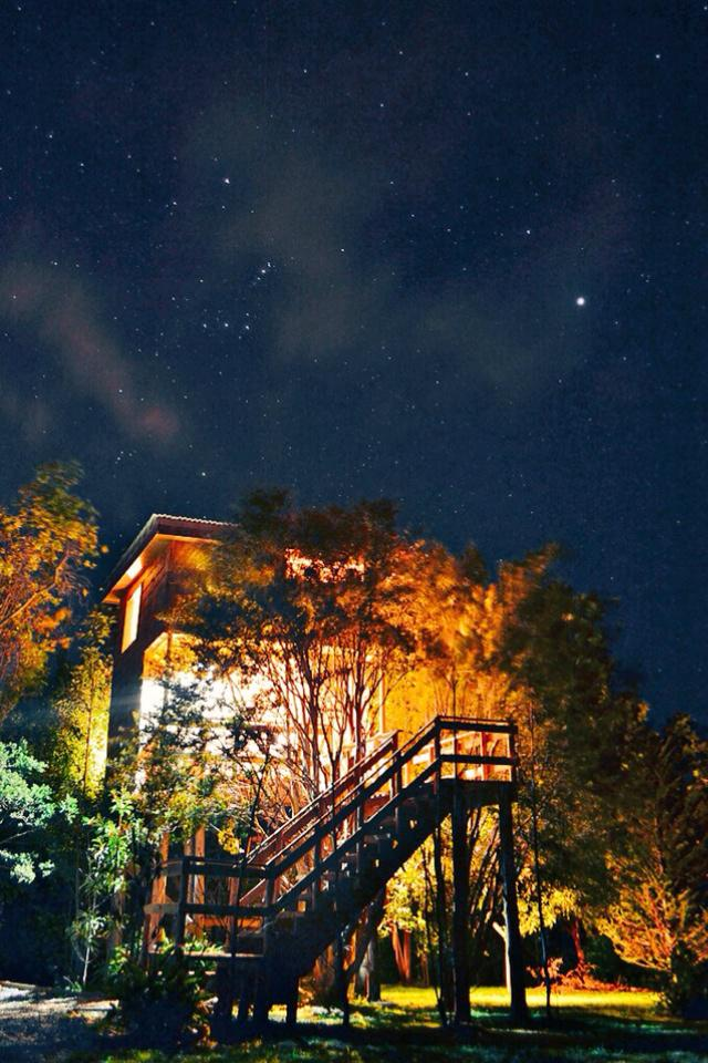 @GlobalPRchile Ayúdame xfavor con un RT para este novedoso y acogedor emprendimiento, ¡la Casa del árbol de Chiloé! http://t.co/ibJQG3pGgs