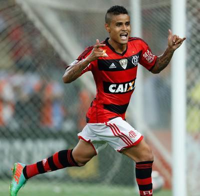 541202ede4 Flamengo 1x0 Vasco. O FREGUÊS VOLTOU! Everton fez o gol da vitória rubro- negra no clássico em Manaus. http   t.co FYu12Gce7U
