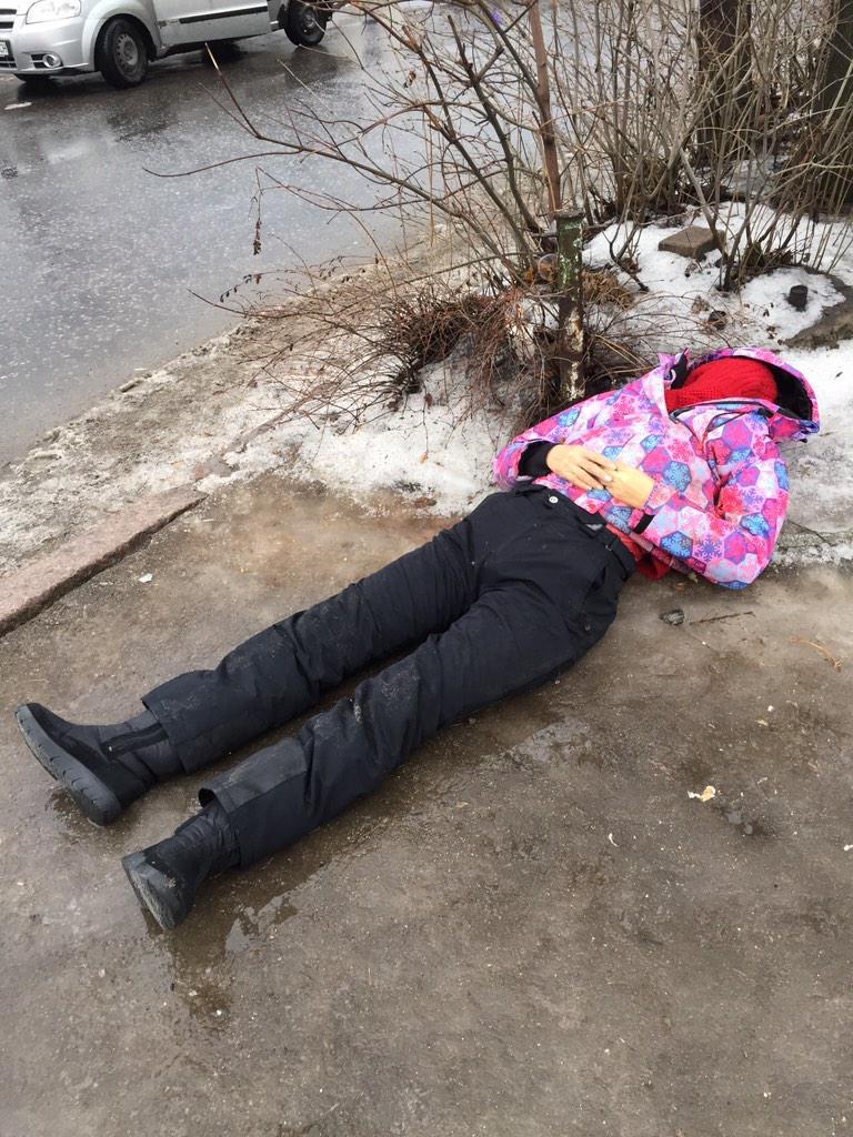 Донецк: украинский снаряд взорвался на остановке — множество погибших и раненых