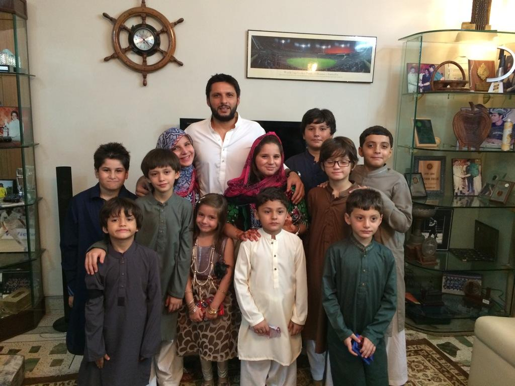 "The-Lying-Lama On Twitter: ""Shahid Afridi With His Elder"