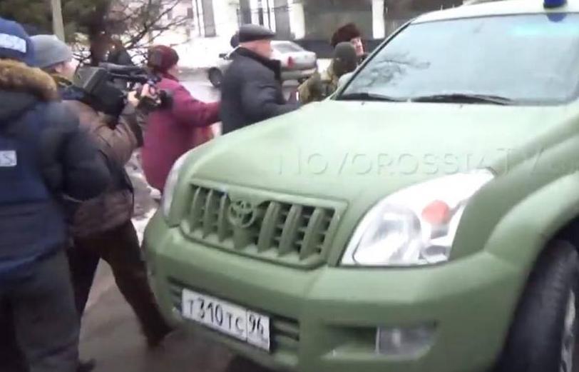В Донецке обстреляли троллейбус. 9 погибших.