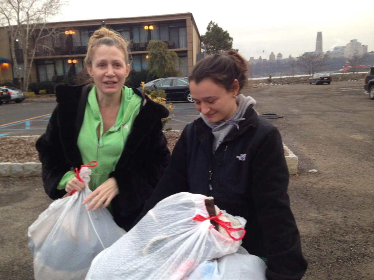 Thank you pix11news viewers Felicia and Sabrina from edgewater bags of clothes for victims of fire beautiful thing http://t.co/2wYvQ3BY9I