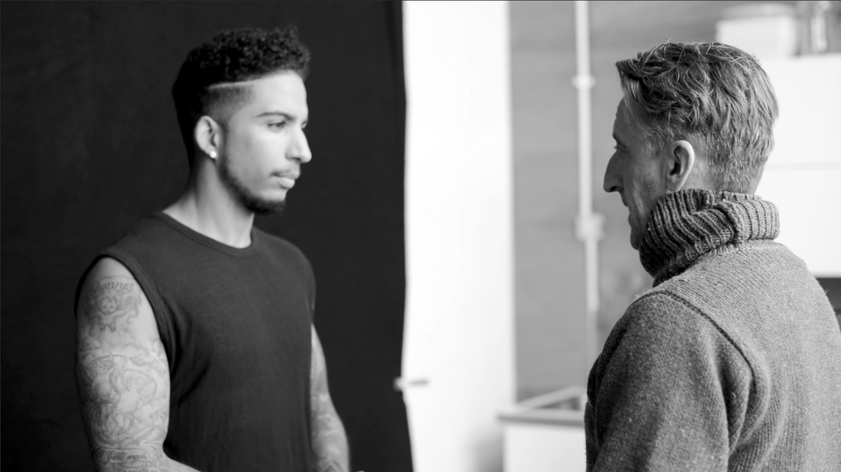 Here's a still from an upcoming behind the scenes film during our  recent shoot with @TROYmagician #magic #BTS http://t.co/EcxPpm1DSS