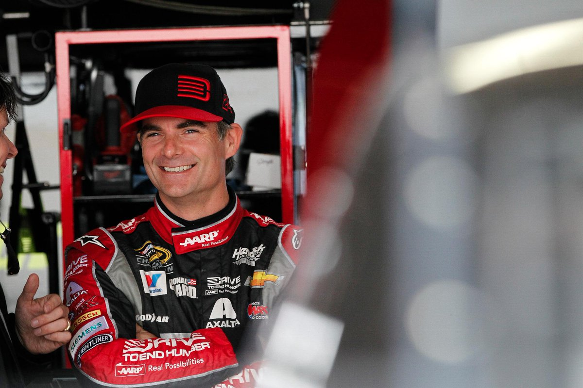 NEWS: Future #NASCARHOFer @JeffGordonWeb announces 2015 will be his final season: http://t.co/OVp0E9016k http://t.co/KoF7b5uO09